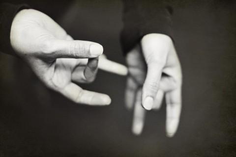 Fotografía de un ejemplo de lengua de signos